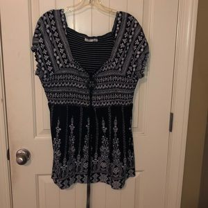 Short sleeve top with choker